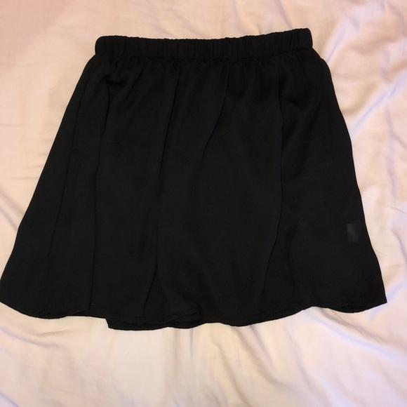 Brandy Melville Dresses & Skirts - Black skater skirt